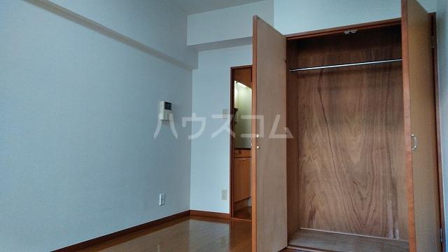 セントラルハイツ堀田 207号室のリビング