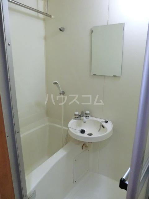 セントラルハイツ堀田 208号室の洗面所