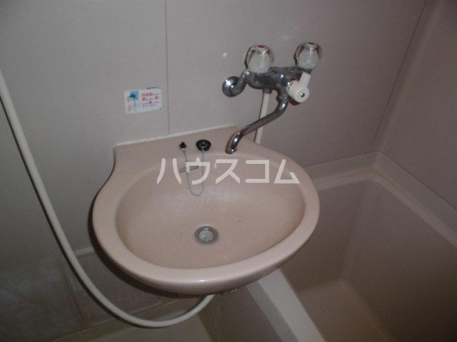 ドミシル野並 402号室の洗面所
