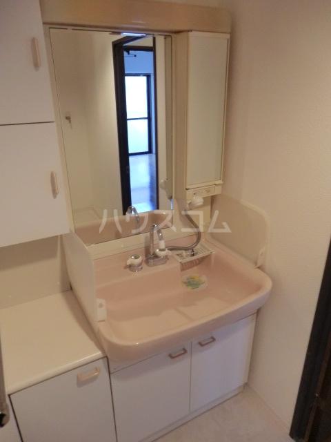 グラン・ディア新瑞 401号室の洗面所