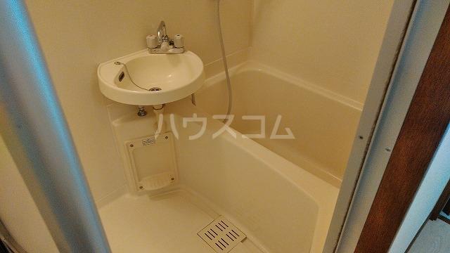 アーバンドエル豊岡 703号室の風呂
