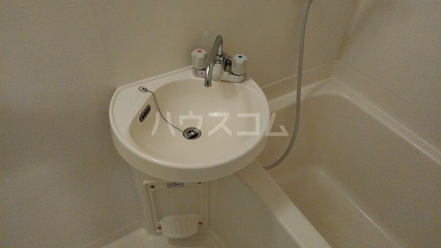 アーバンドエル豊岡 703号室の洗面所