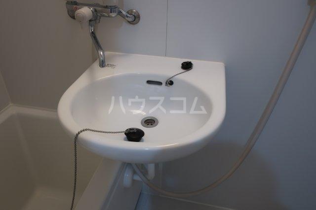 堤ハイツ 3-E号室の洗面所