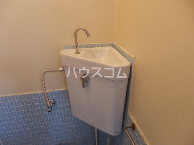 成田荘 10号室の洗面所