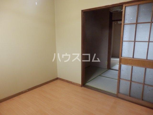 成田荘 10号室の居室
