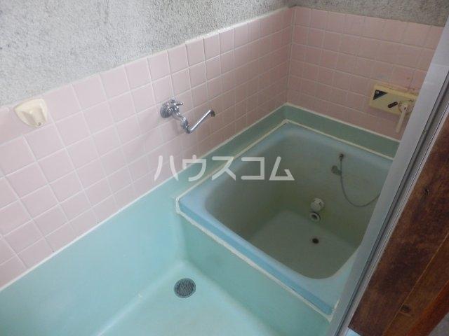 成田荘 10号室の風呂