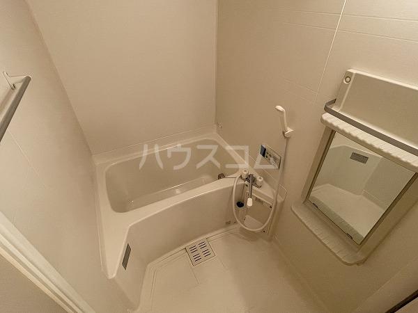 アヴニールYOU Ⅰ 102号室の風呂