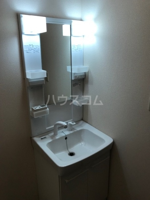 セジュールS・K 102号室の洗面所