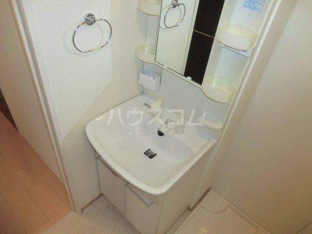 リヴェール 101号室の洗面所