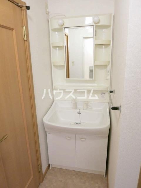 ボーシャルダンB 101号室の洗面所