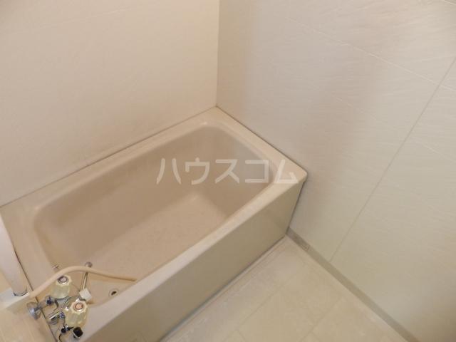 メゾンうぶすな 102号室の風呂