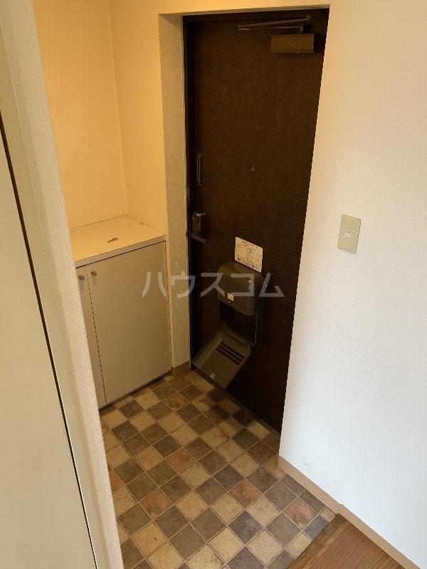 グランピニエール松戸 307号室の玄関