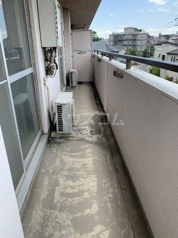 グランピニエール松戸 307号室のバルコニー