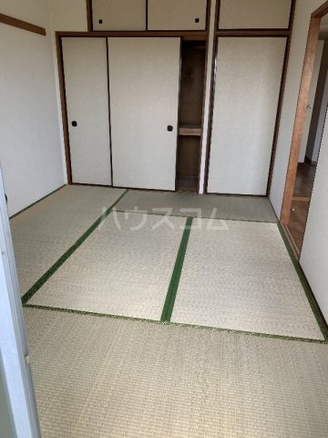 グランピニエール松戸 307号室の居室