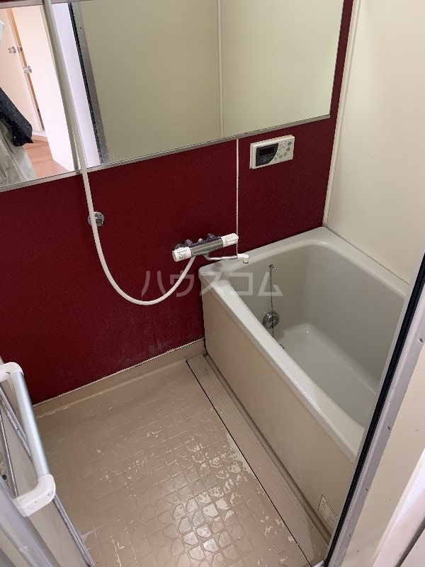 グランピニエール松戸 307号室の風呂