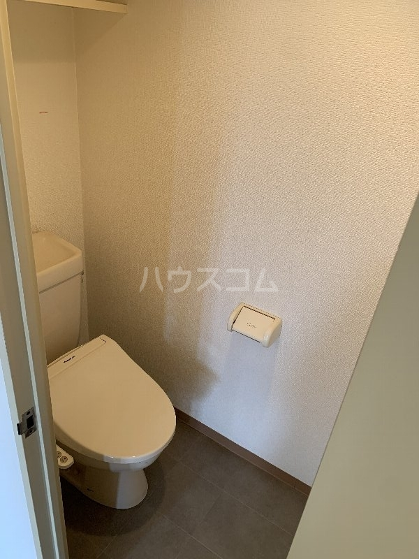 グランピニエール松戸 307号室のトイレ