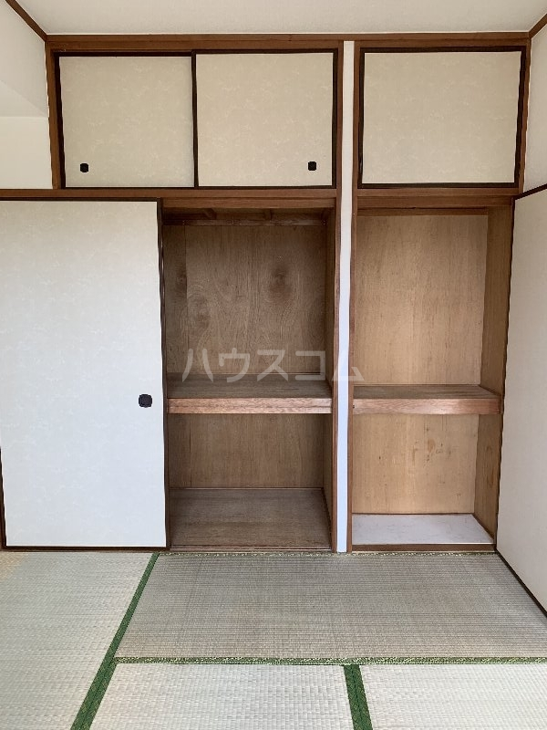 グランピニエール松戸 307号室の収納