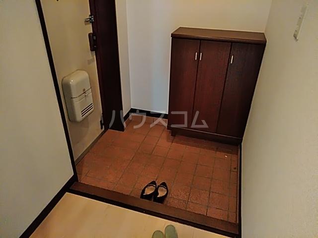 スリーシャイン大磯 501号室の玄関