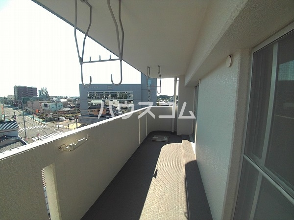 サンハウジング第1ビル 4A号室のバルコニー
