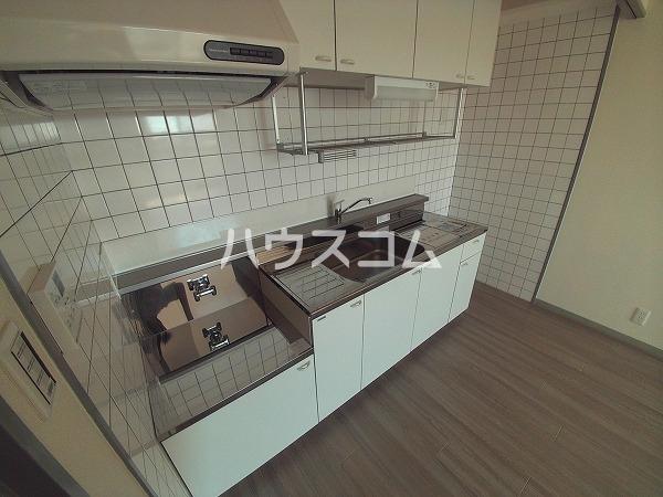 サンハウジング第1ビル 4A号室のキッチン