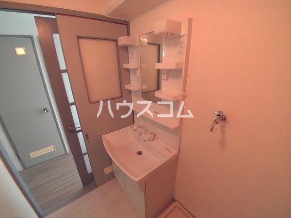 サンハウジング第1ビル 4A号室の洗面所