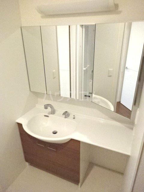 イーグレット C 105号室の洗面所