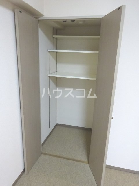 シェモア松戸 704号室の収納