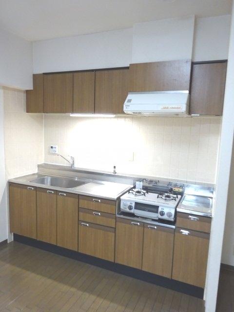 シェモア松戸 704号室のキッチン