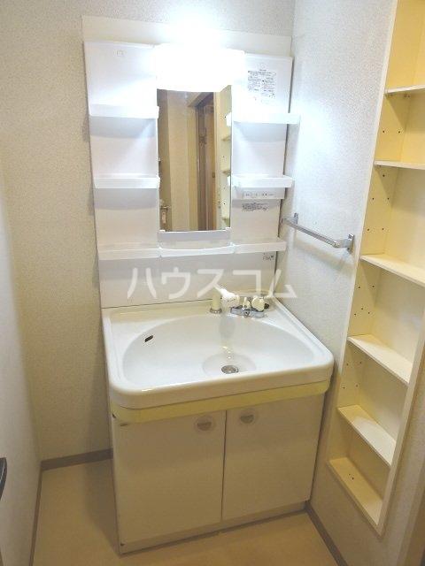 シェモア松戸 704号室の洗面所