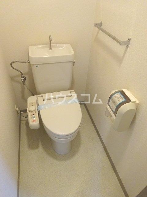 シェモア松戸 704号室のトイレ