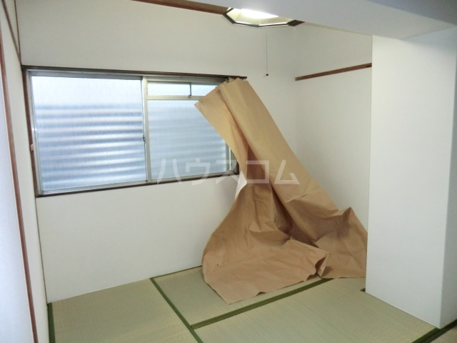 メゾンドオーツカ 203号室のベッドルーム
