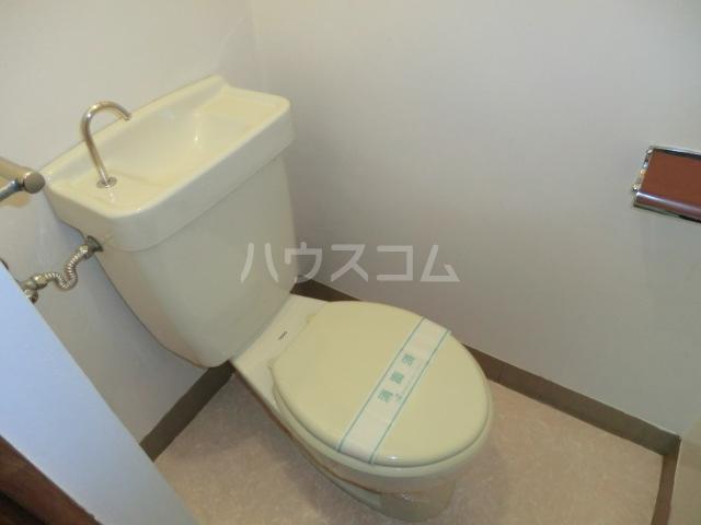 メゾンドオーツカ 203号室のトイレ