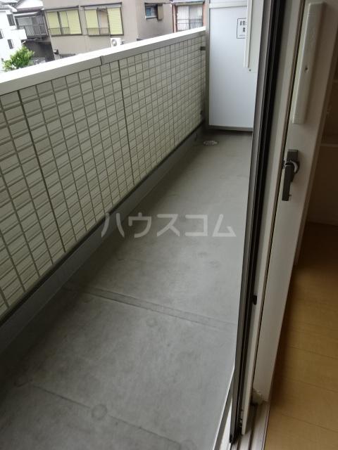 メゾン・ド・シャルール 壱番館 101号室のバルコニー