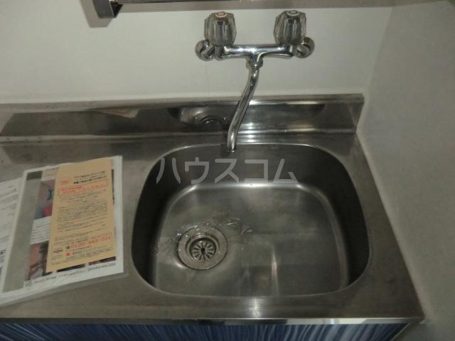 ドール堀田Ⅲ 211号室のキッチン