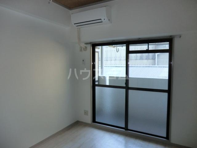 ドール堀田Ⅲ 211号室のリビング