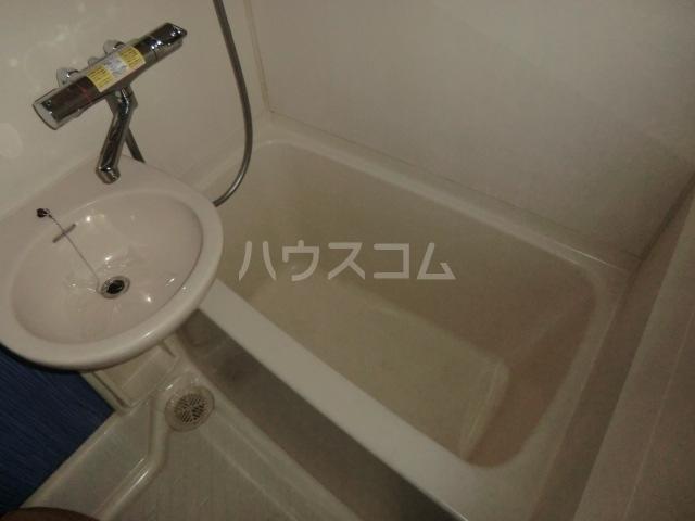 ドール堀田Ⅲ 211号室の風呂