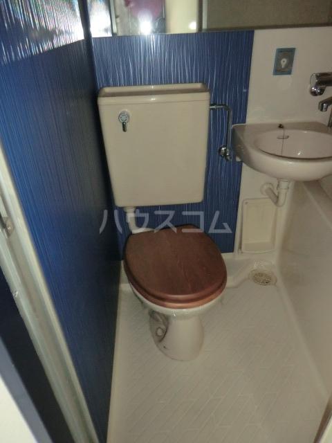 ドール堀田Ⅲ 211号室のトイレ