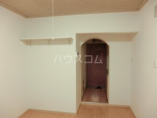 ドール滝子 102号室の収納