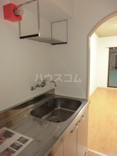 ドール滝子 102号室のキッチン