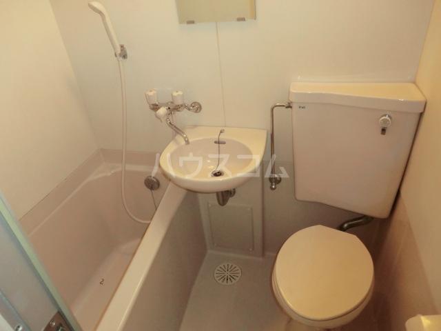 ドール滝子 102号室の風呂