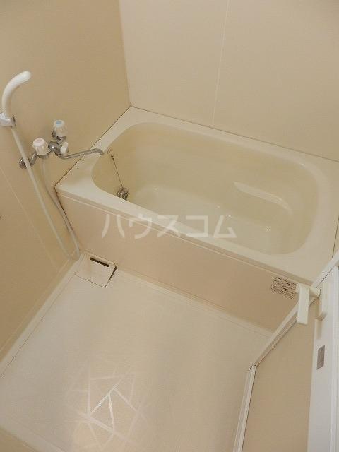 メゾンドラピュタⅡ 201号室の風呂