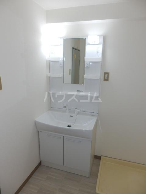 第32オーシャンハイツの洗面所
