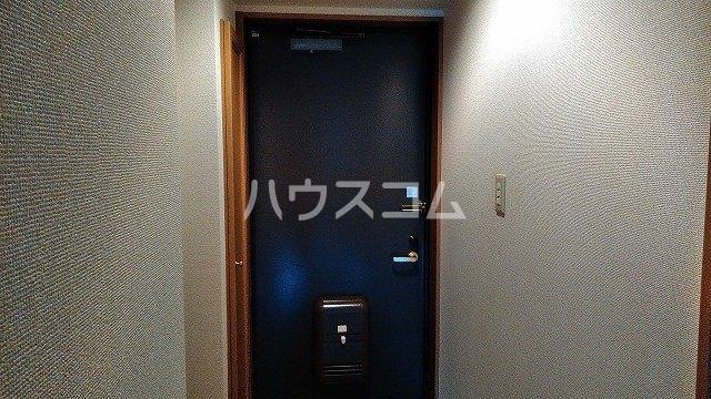 コーポひかり 101号室の玄関