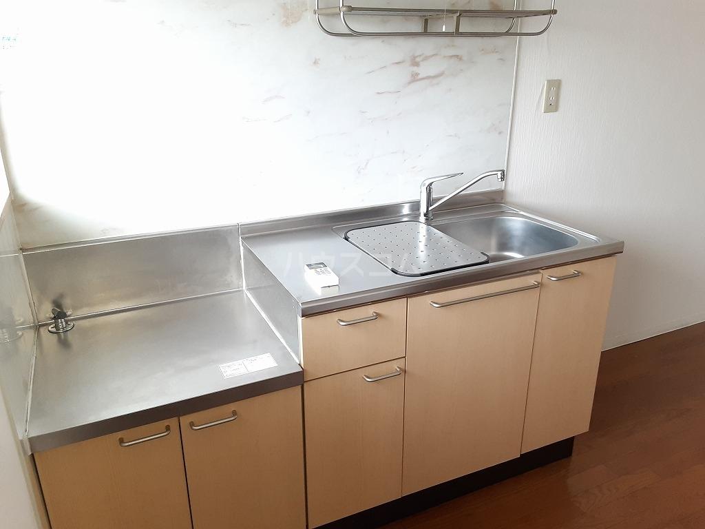 コーポカニエ 205号室のリビング