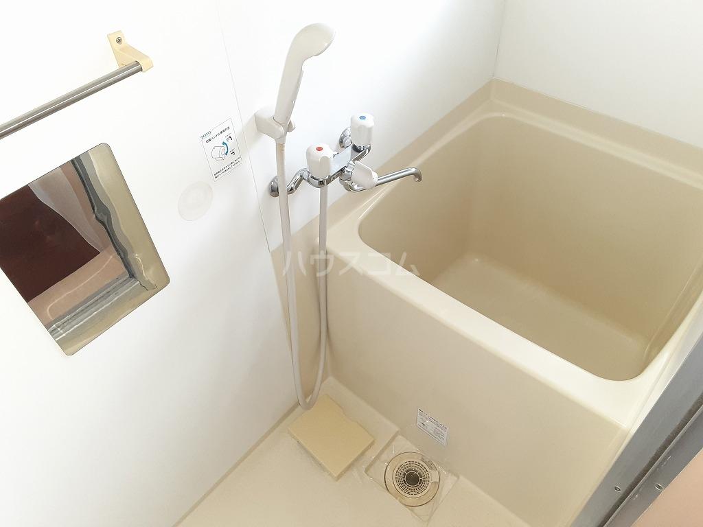 コーポカニエ 205号室の風呂