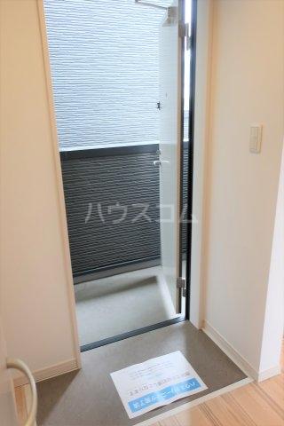 アソシエⅡ 203号室の玄関
