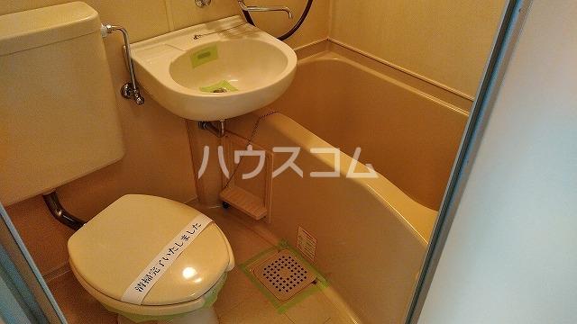 メゾン・ド・エティーク 401号室のトイレ