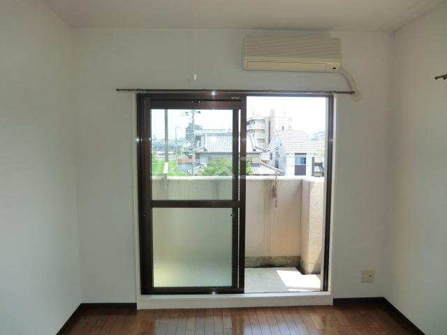 Y・M・Dチセ 208号室の居室