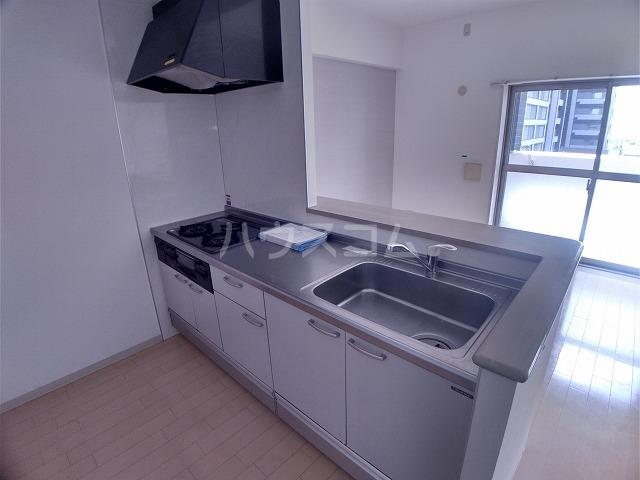 ラフィネ所沢 00502号室のキッチン