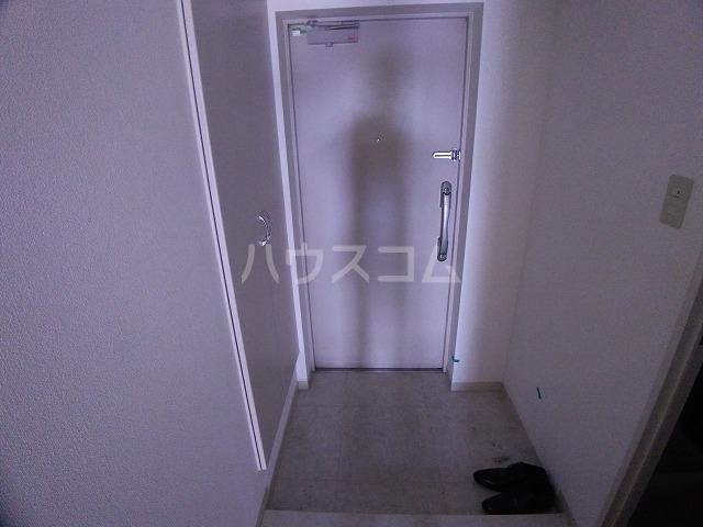 ラフィネ所沢 00502号室の玄関